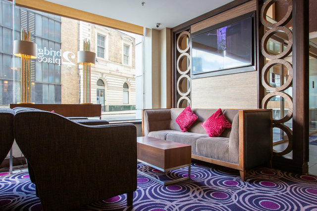find a co-working space in DoubleTree by Hilton, Victoria, London